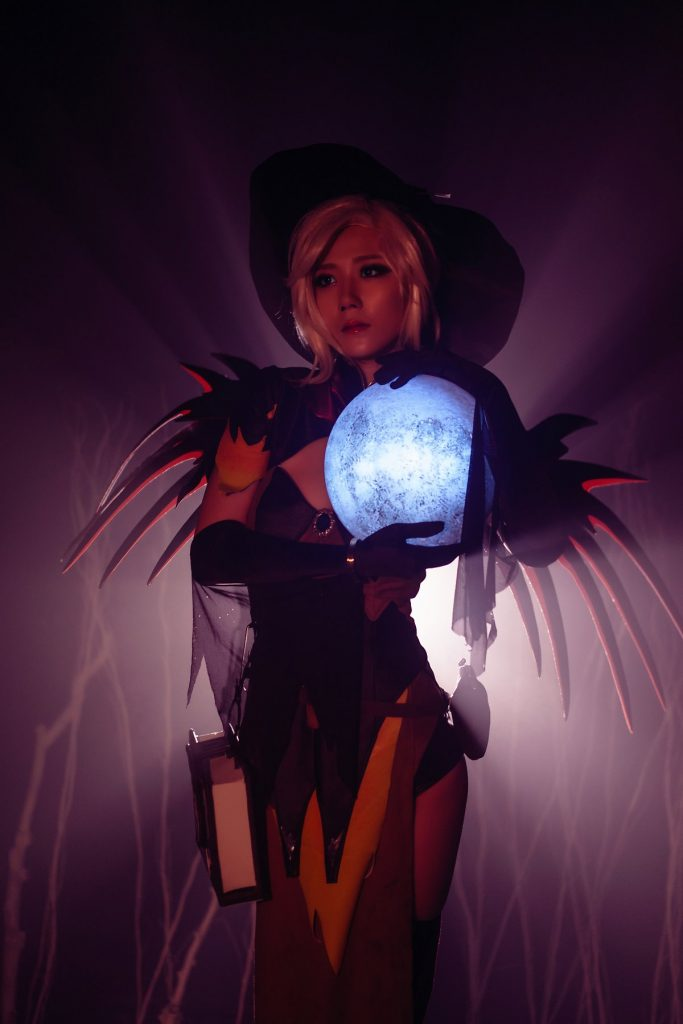 cosplay-witch-mercy-1
