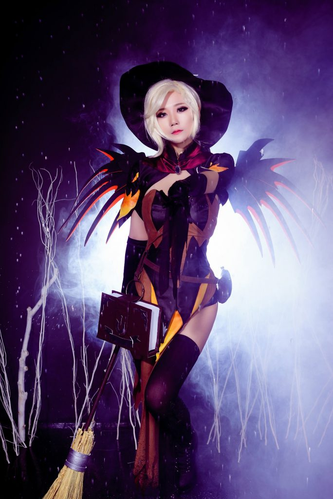 cosplay-witch-mercy-2