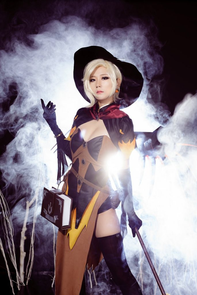 cosplay-witch-mercy-3