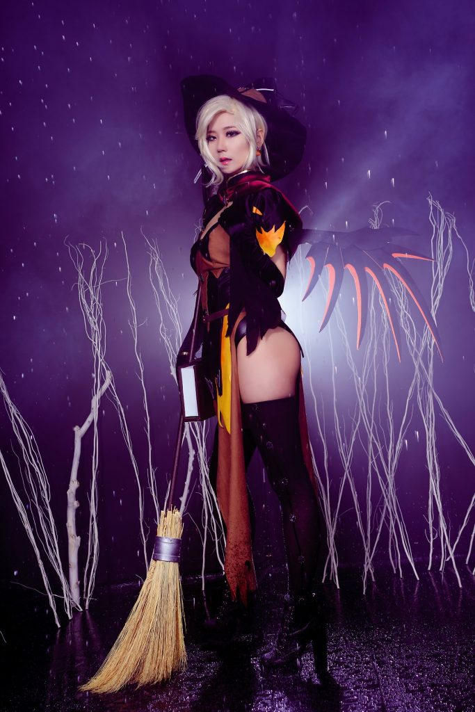 cosplay-witch-mercy-5