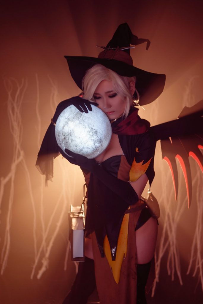 cosplay-witch-mercy-8